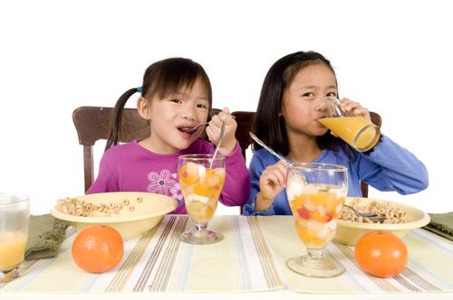 makan bersama anak