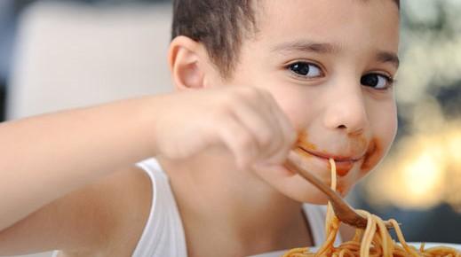Yuk-Ajari-Anak-Makan-Sendiri