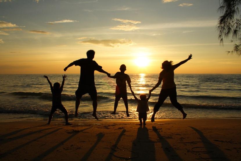 liburan-bersama-keluarga